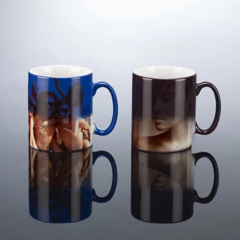 Spalvą keičiantis puodelis